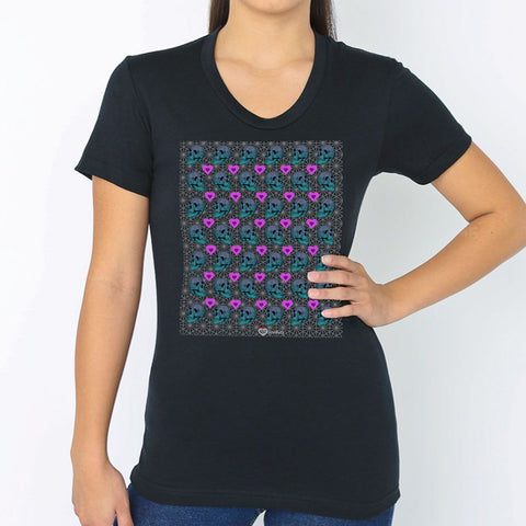 Modern Skull Heart Grid T-Shirt – Womens