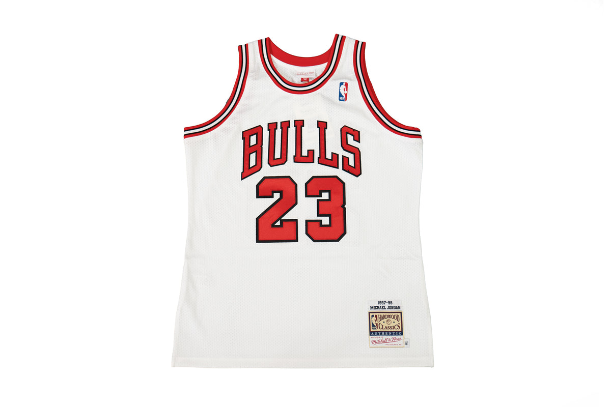 Michael Jordan Authentic '97 Chicago Bulls Home Jersey