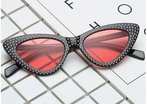 STUDDED CAT EYE Sunnies