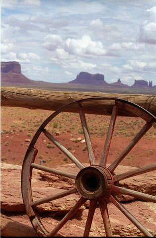 Wagon Wheel Monument Valley