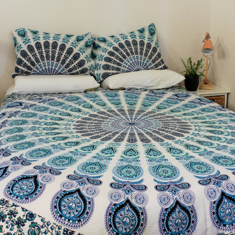 ZEN Mandala Throw with 2 Pillow Slips