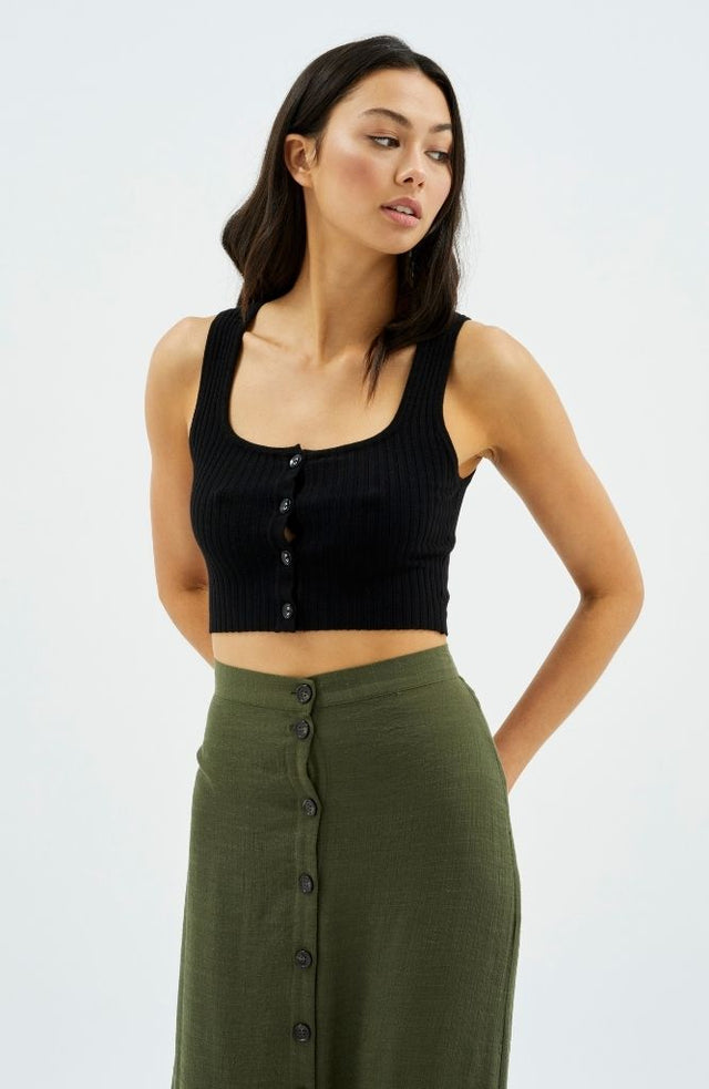 Scoop Button Rib Top in Black