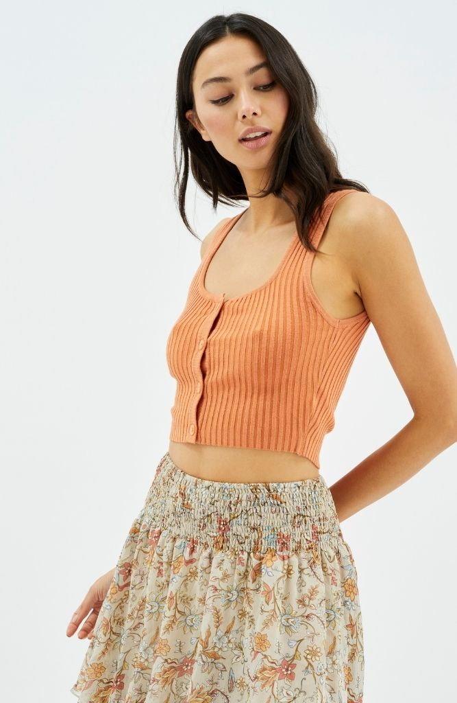 Scoop Button Rib Top in Rust