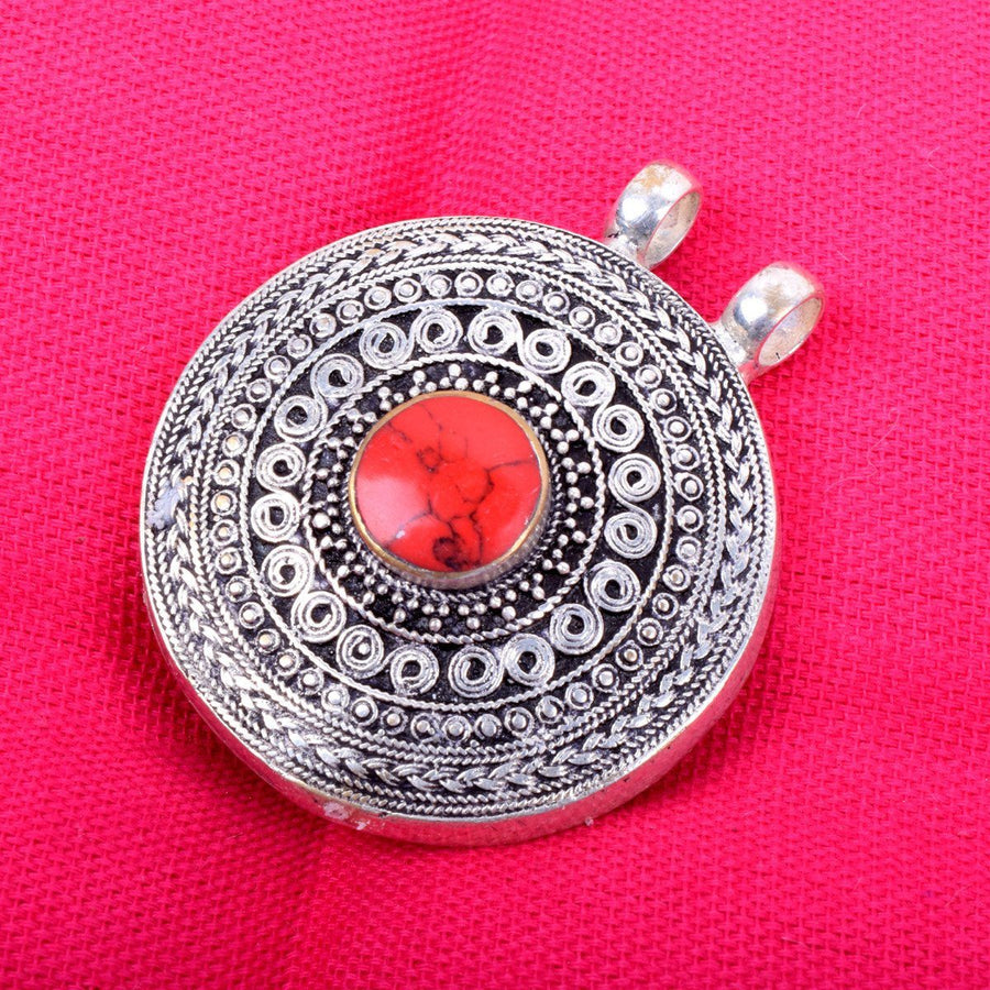 Fashion Round / Antique Finish Hand Made Menakaree Stone Pendant - ExportLeftovers.com