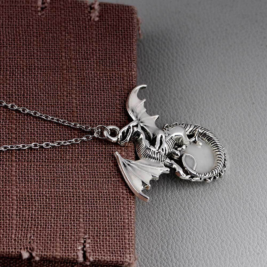 Luminous Dragon Pendant Creative Retro Necklace