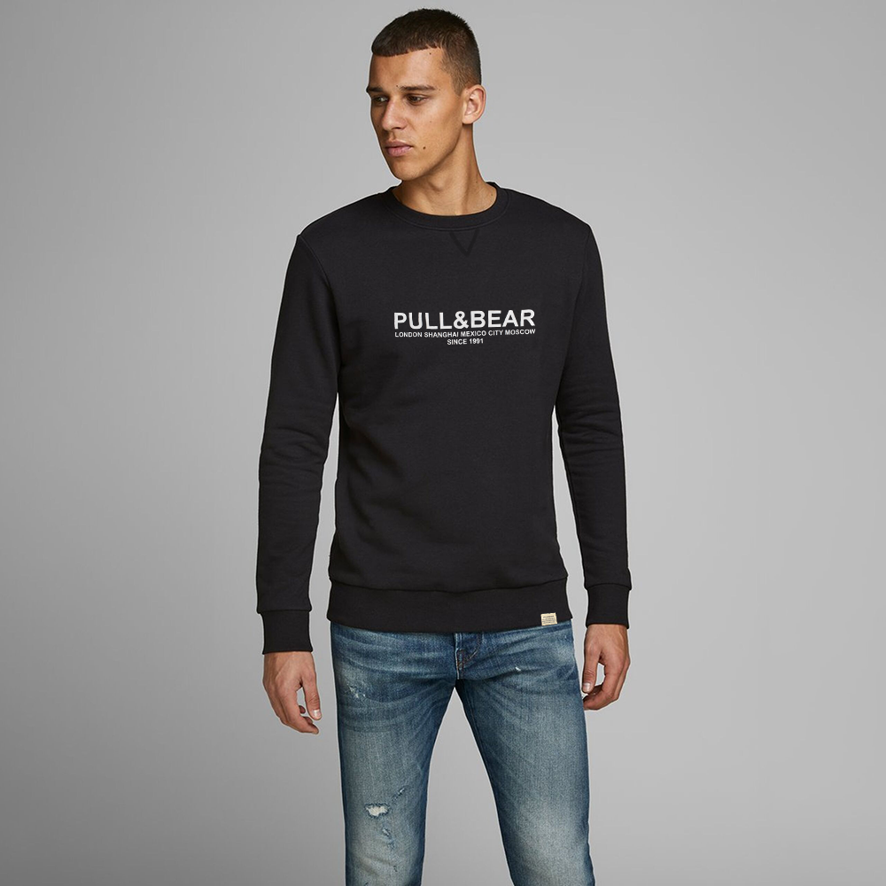 Pull&Bear Men's London to Moscow Printed SweatShirt Men's Sweat Shirt First Choice Black XS