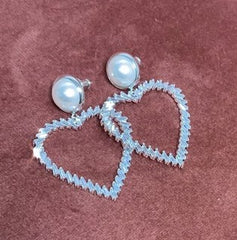 Tamara Heart earrings in white