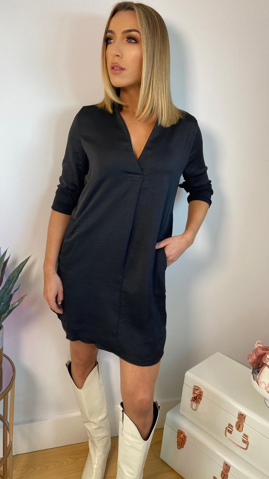 SHELLY SILKY TUNIC DRESS - BLACK