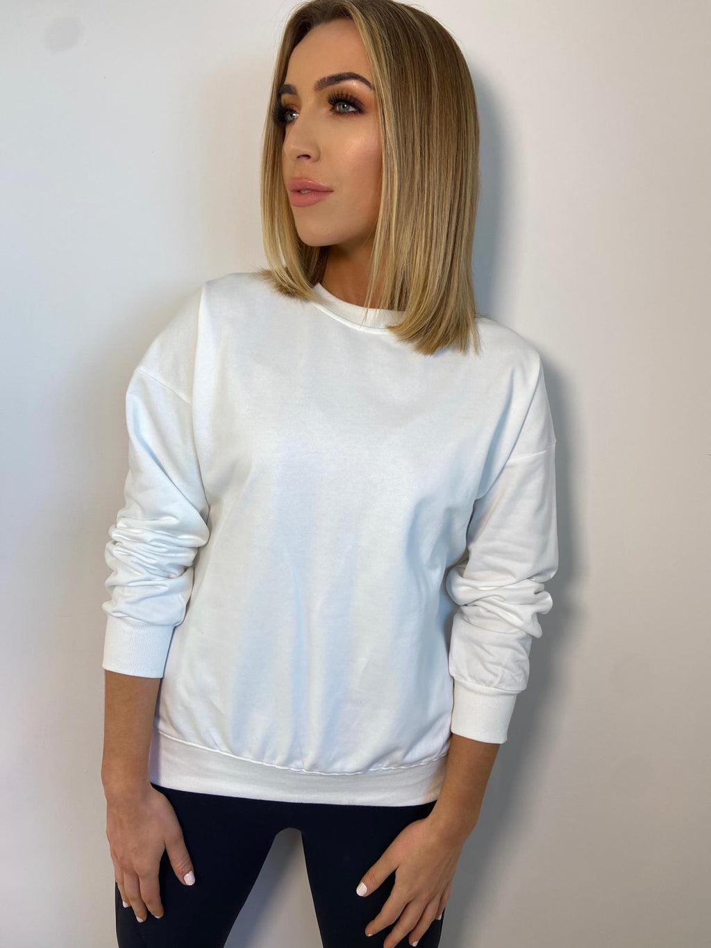 THE BASIC SWEATER - WHITE
