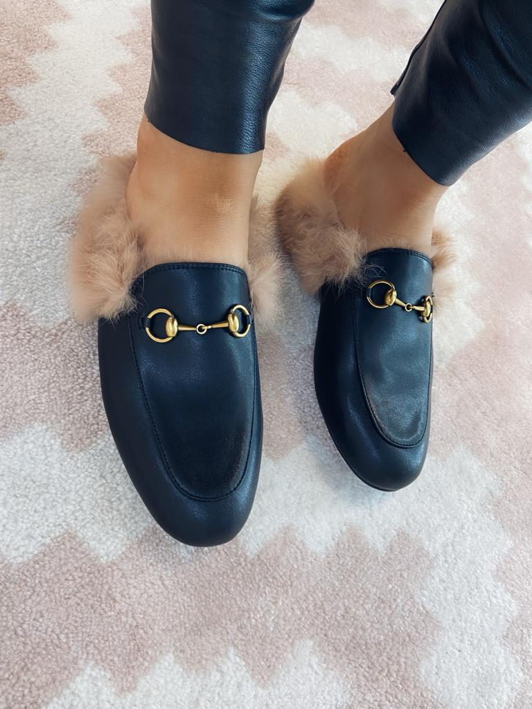 THE LEATHER SLIDER - BLACK WITH SHEEPSKIN LINING