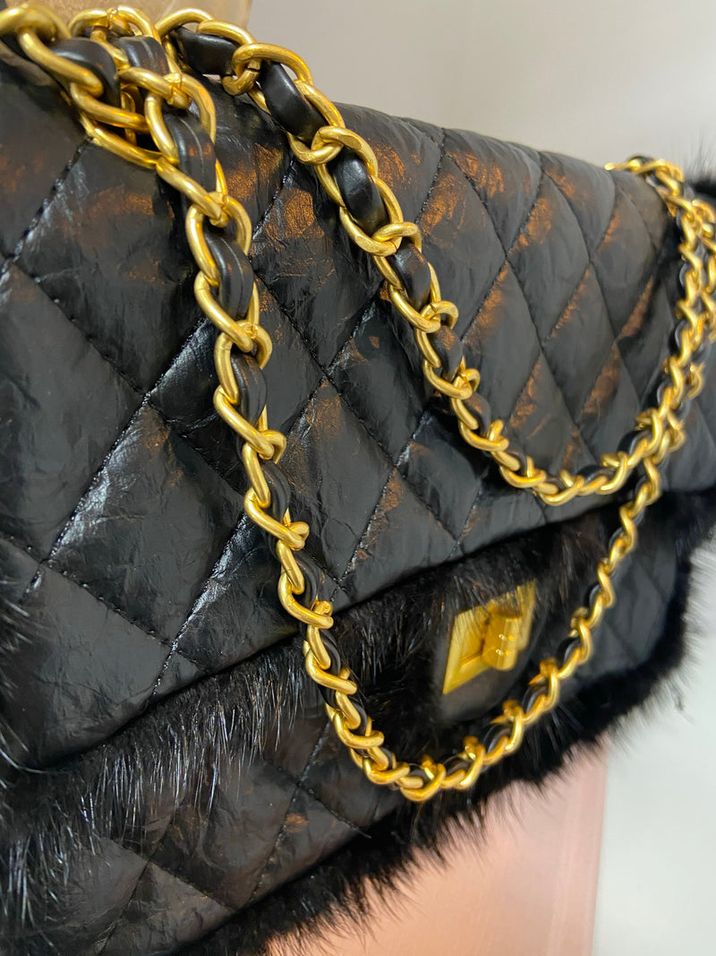 LEATHER QUILTED BAG WITH GOLD HARDWARE