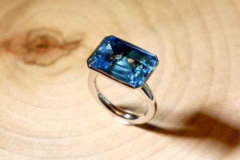 Hannah ring - Blue Topaz