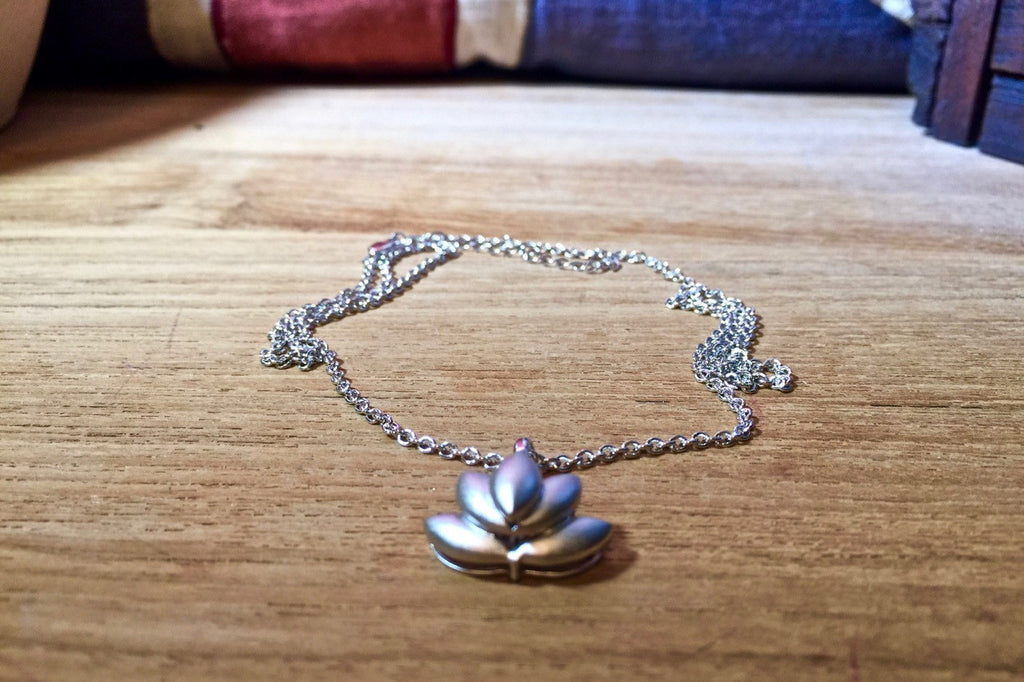Lotus Leaf Necklace single strand
