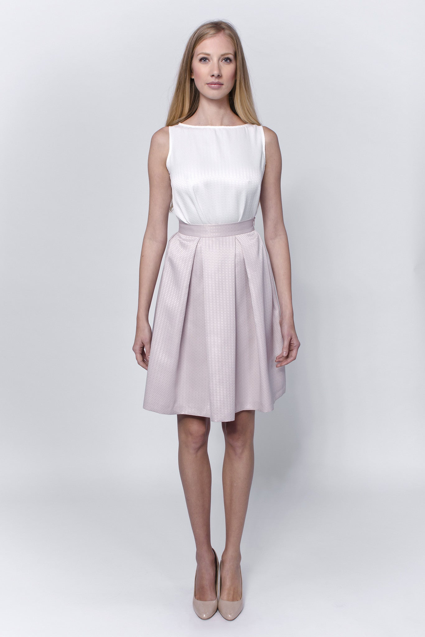 Light-pink-pleated-skirt-Laccafashion