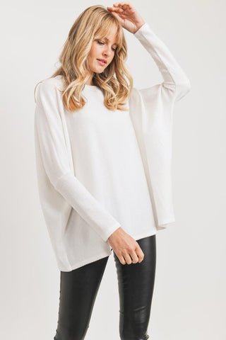 Front Twist Padded Shoulder Top