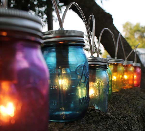 Decorate your garden with DIY mason jars