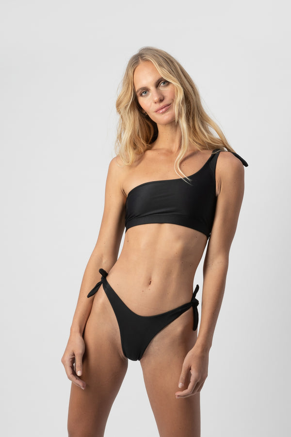 Jones One-Shoulder Bikini Top- Black | ABYSSE