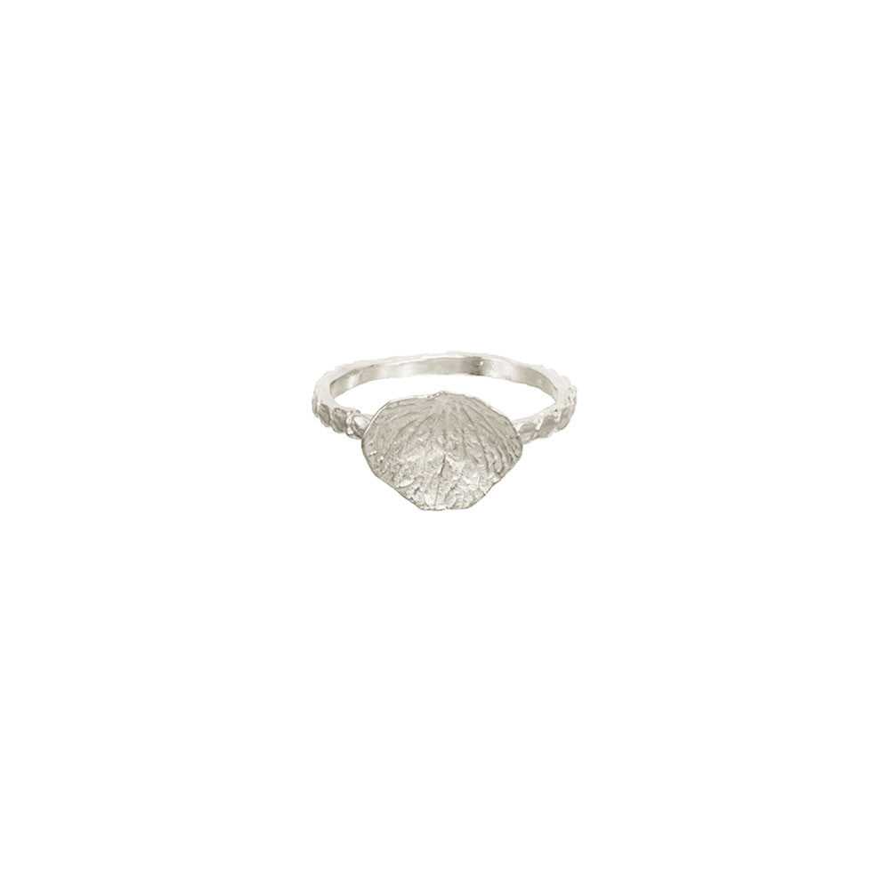 Grass Ring with Petal