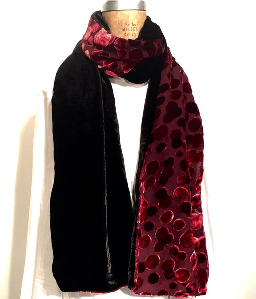 Red large Dots w/ Black Velvet