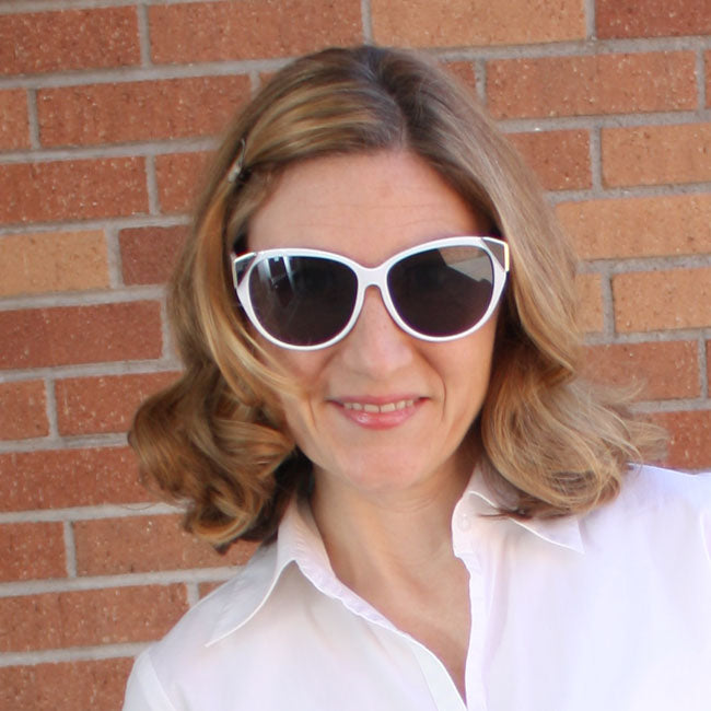 Classic sunglass styles for summer from Pampered Teacher and Style Era Boutique #fashion #teachers