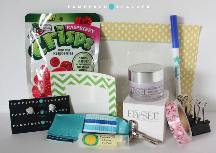 Pampered Teacher subscription box giveaway at the TpT convention blogger meet up event