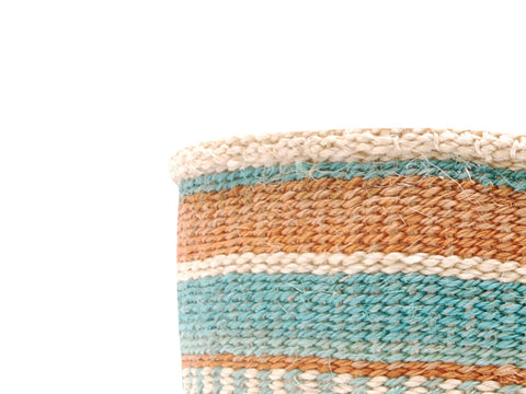 AKIBA: Small Green and White Sisal Basket