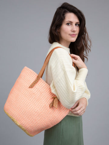 KIFALME: Mellow Rose Wool and Sisal Tote Bag