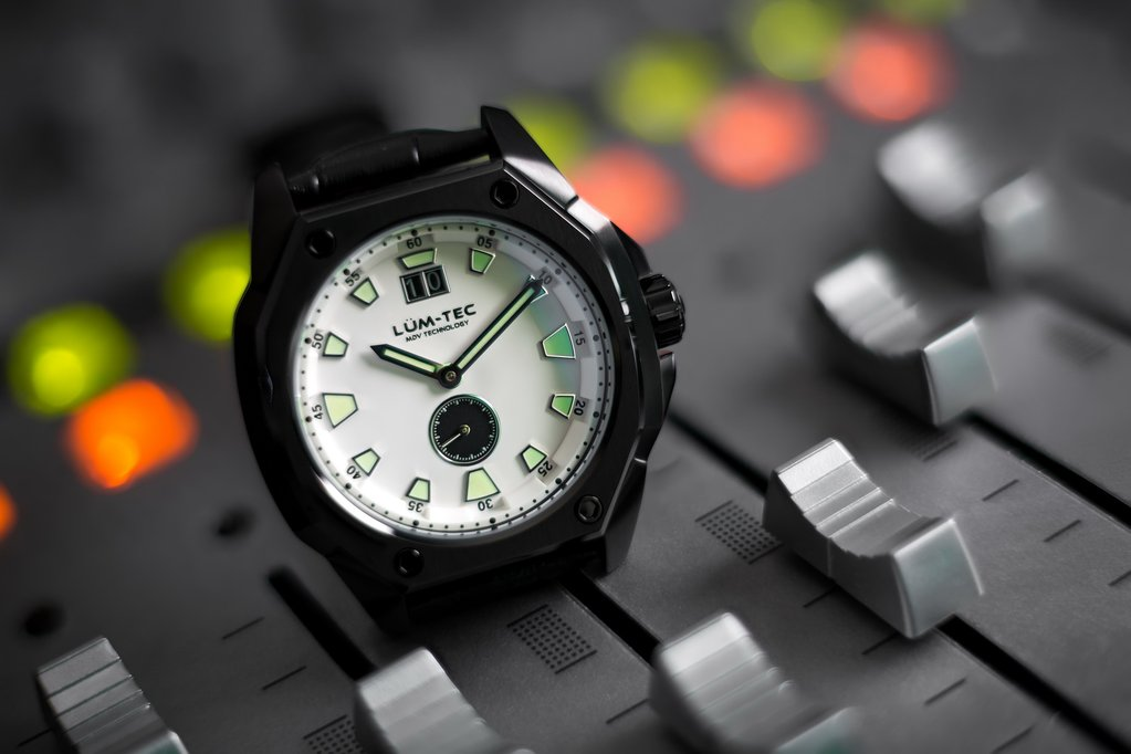 LUM-TEC V10 WATCH