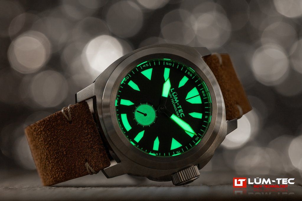 LUM-TEC M85  WATCH