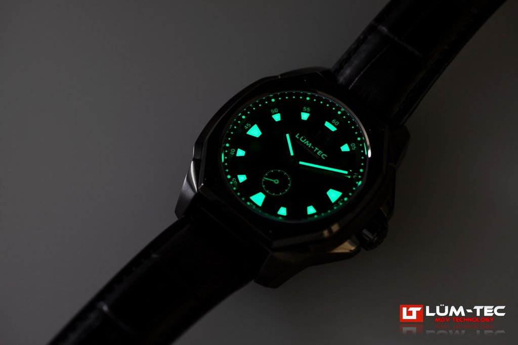LUM-TEC V11 WATCH