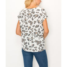 "Load image into Gallery viewer, ""That Leo"" Leopard Knit Top - White"