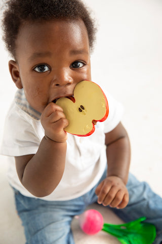Oli & Carol - Pepita The Apple Natural Rubber Teether Toy