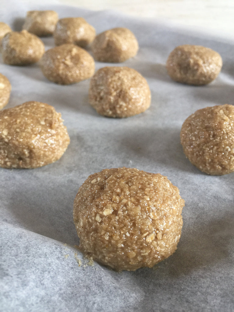 tahini protein balls for the 3pm snack - delicious