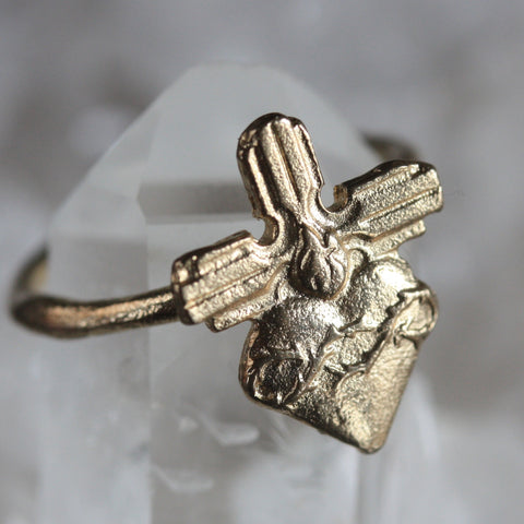 9ct Thorn Heart Ring SALE