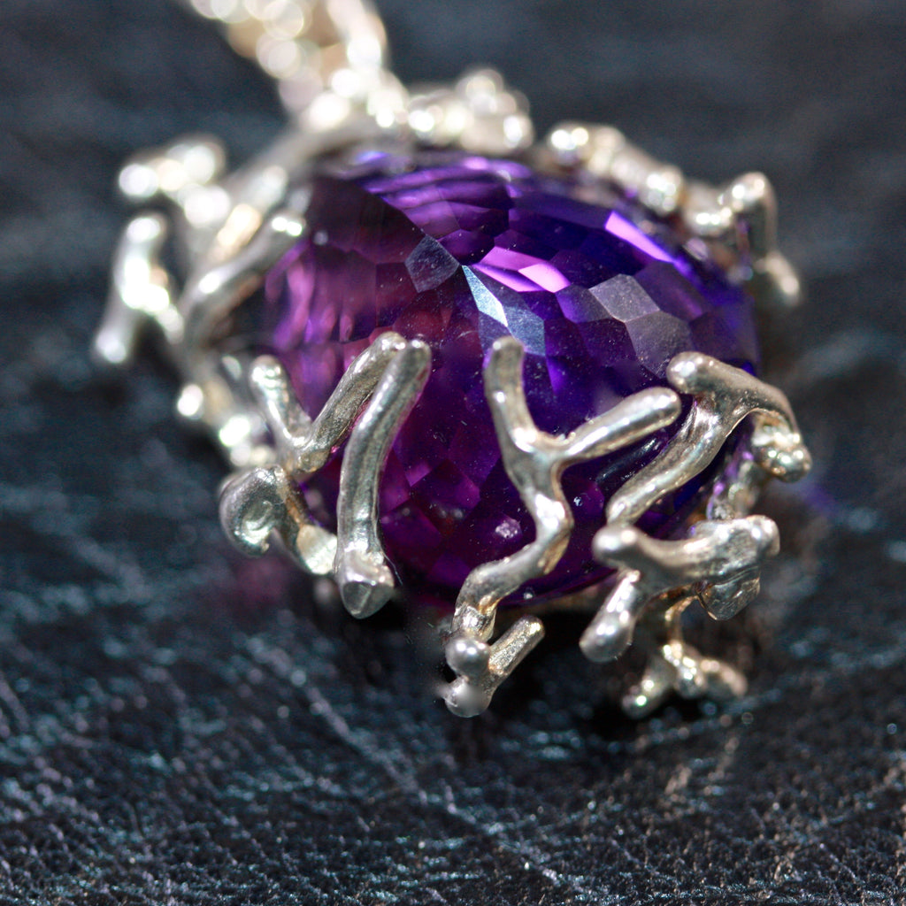 1 A Fine Vine Necklace with Amethyst - Sale