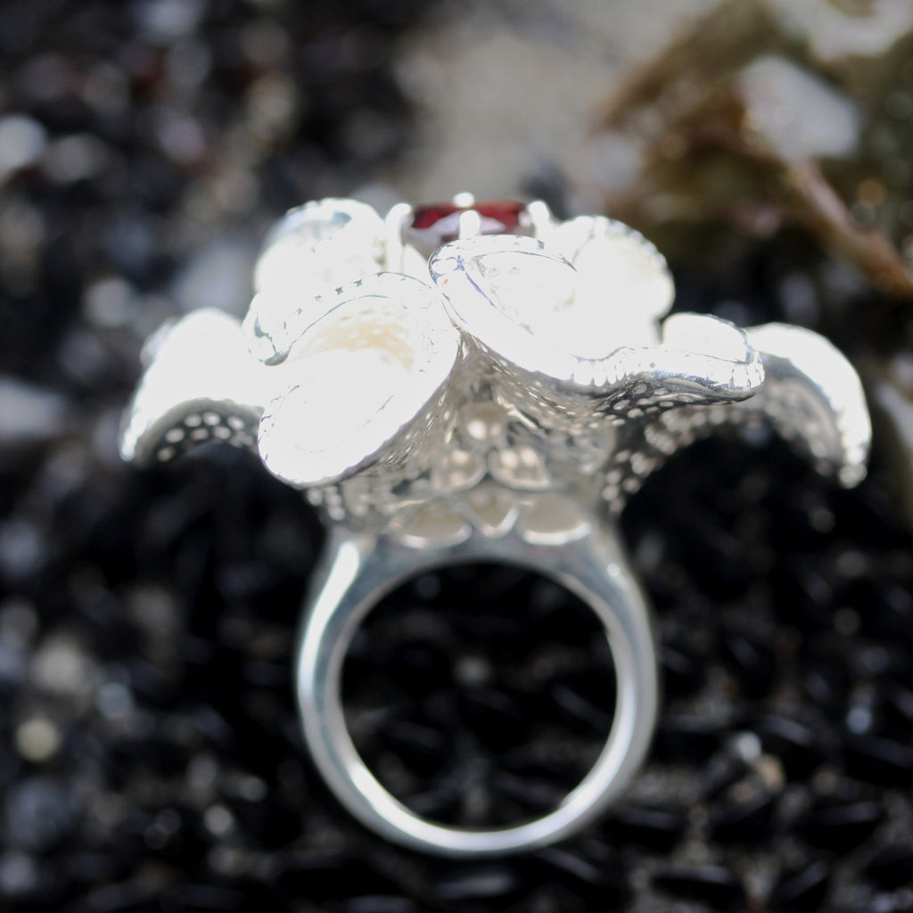 Brain Flower Ring With Stone