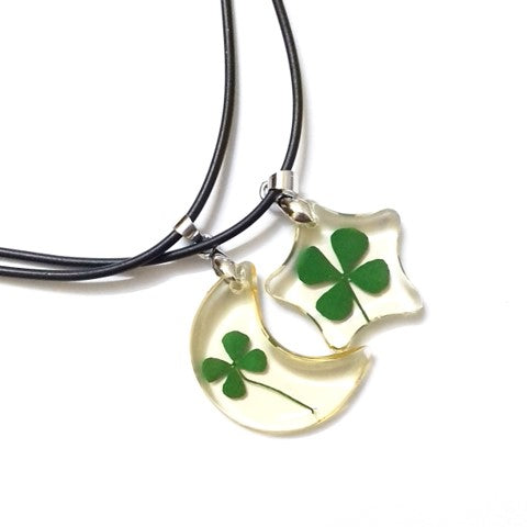 Clover Glass necklace