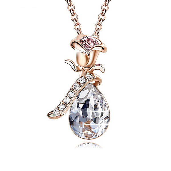 Rose Shaped Crystal necklace Clear