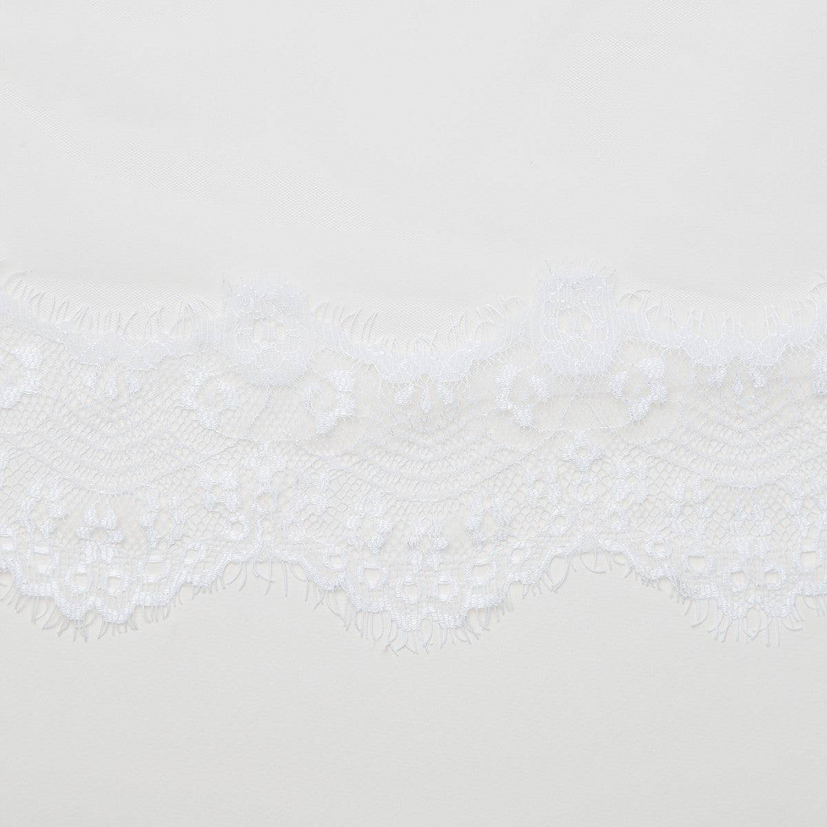 Scalloped Chapel Veil