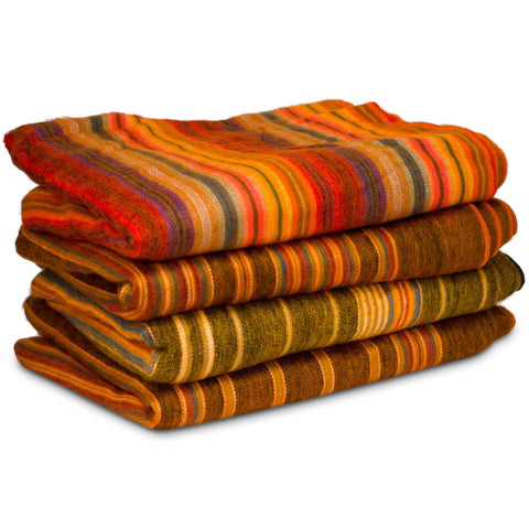 Beautiful and cozy hand-woven blanket / throw from Ecuador (Large)