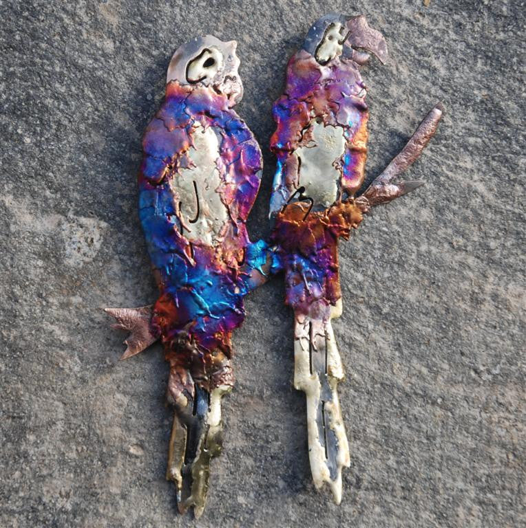 Recycled tin pair of parrots