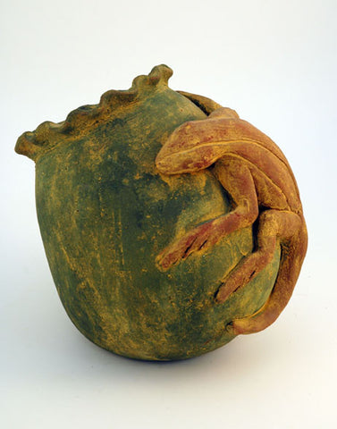 Rustic lizard pot