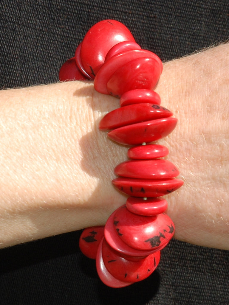 Tagua bracelet coloured and shaped