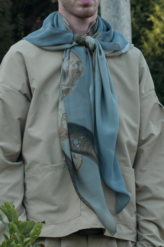 Pierscape shell & sky scarf