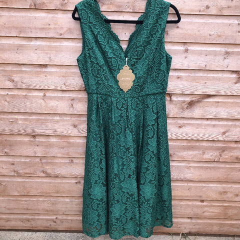 Jolie Moi green dress