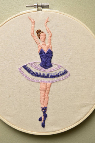 Ballet dancer handmade embroidery hoop - Wall Art