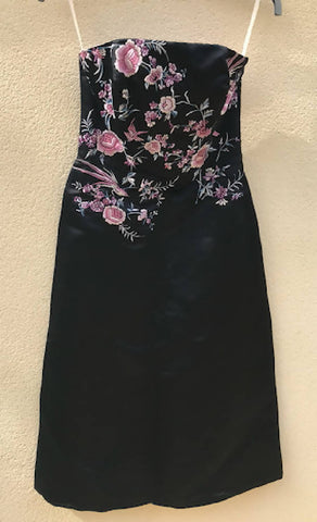 Embroidered Cocktail Dres Size 8
