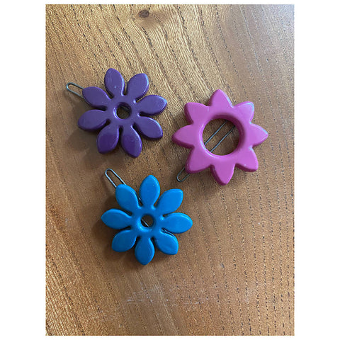3 PRETTY HAIR CLIPS BY KANEL