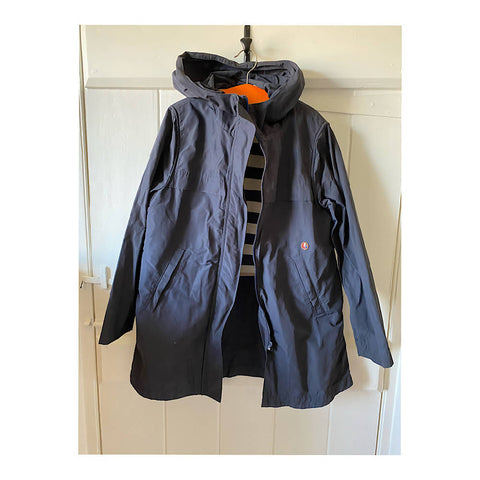 BELLEROSE BLUE STYLISH SHOWERPROOF COAT/jacket AGE 10/12