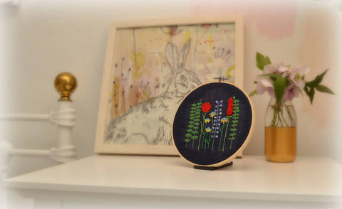 Flower Embroidery hoop - Wall Art